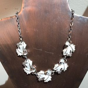 Jewelry - Vintage Silver Tone Necklace w/White Leaves